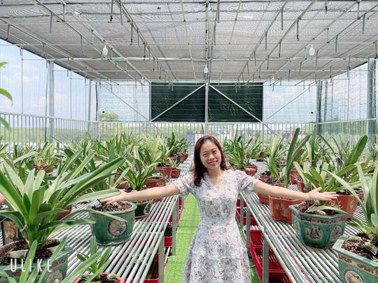 Bà chủ vườn lan trăm loài Thùy Linh chia sẻ bí quyết trồng lan - Ảnh 2.