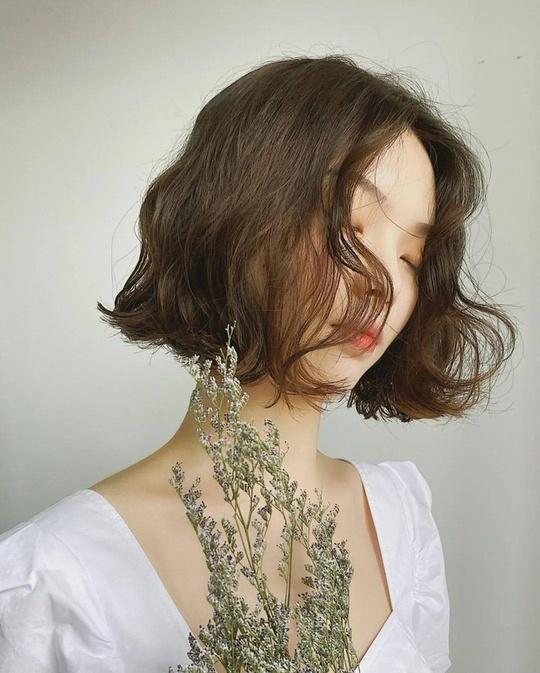 3 kiểu tóc ngắn đang là mốt trong mùa hè 2021 - Ảnh 9.