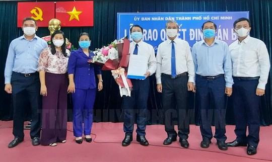 TP HCM: Trao 2 quyết định nhân sự lãnh đạo cho quận Gò Vấp, Khu Công nghệ cao - Ảnh 1.