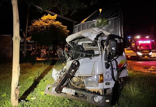 Xe khách đối đầu xe tải ở Buôn Ma Thuột, nhiều người thương vong - Ảnh 3.