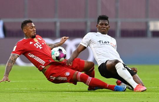 Bayern Munich lập kỷ lục vô địch Bundesliga - Ảnh 1.