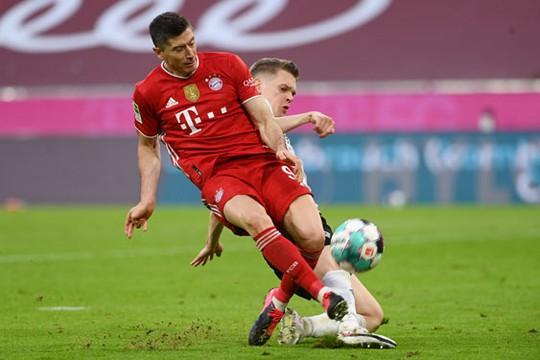 Bayern Munich bay cao với Lewandowski - Ảnh 1.