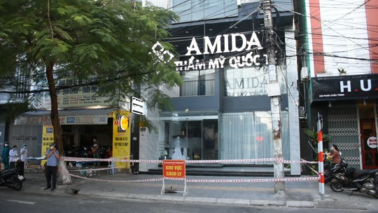 Nữ tổng giám đốc thẩm mỹ viện Amida mắc Covid-19 - Ảnh 1.