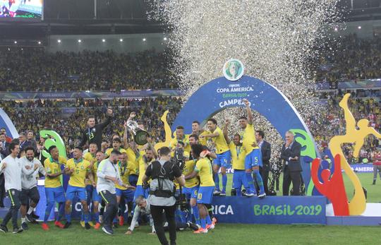Nghi quấy rối tình dục, chủ tịch LĐBĐ Brazil bị đình chỉ nhiệm vụ trước Copa America - Ảnh 3.