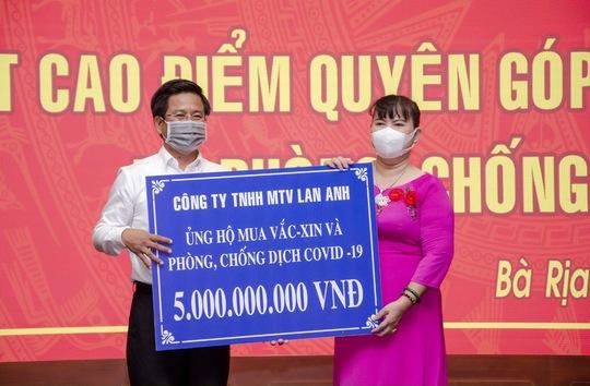 Công ty TNHH MTV Lan Anh ủng hộ 10 tỷ đồng mua vắc xin, phòng, chống dịch COVID-19. - Ảnh 2.