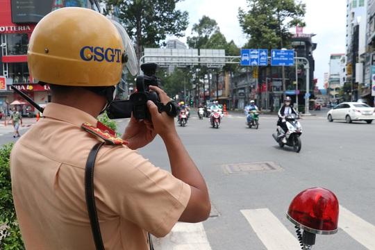 CSGT TP HCM sẽ xử phạt người đi đường không mang khẩu trang - Ảnh 8.