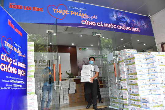 Chương trình Thực phẩm miễn phí cùng cả nước chống dịch đến quận Gò Vấp - Ảnh 6.
