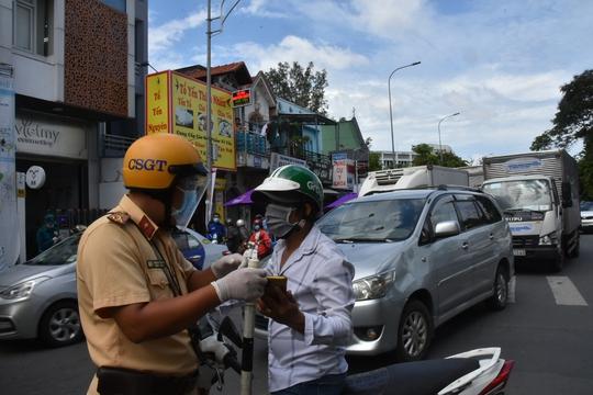 Chương trình Thực phẩm miễn phí cùng cả nước chống dịch đến quận Gò Vấp - Ảnh 9.