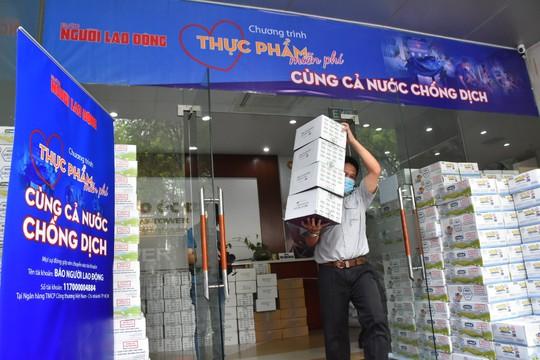 Chương trình Thực phẩm miễn phí cùng cả nước chống dịch đến quận Gò Vấp - Ảnh 3.