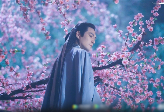 """Khán giả phẫn nộ khi xem Hoàng Dược Sư yêu Mai Siêu Phong trong """"Anh hùng xạ điêu"""" 2021 - Ảnh 1."""