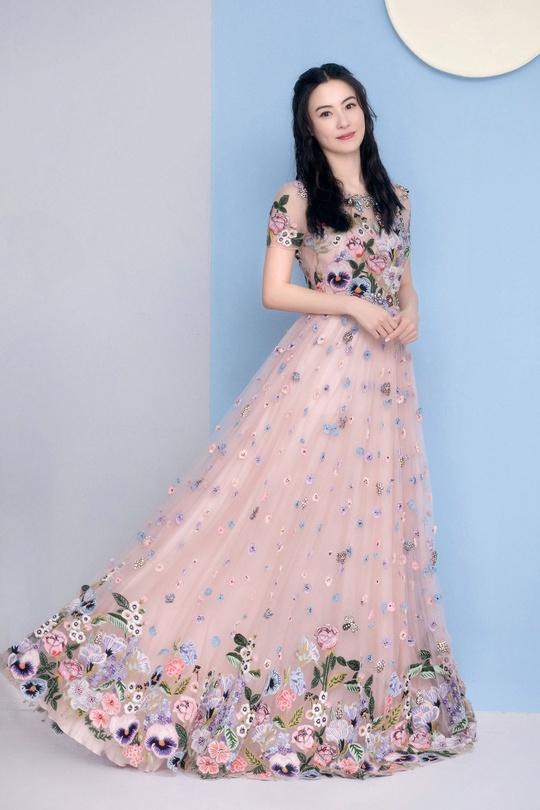 Phong cách thời trang của Trương Bá Chi - Ảnh 5.