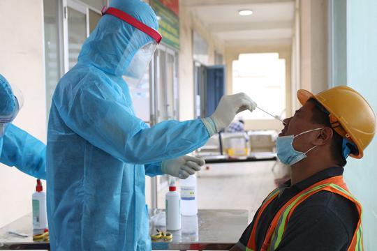 TP HCM: 20 ca nhiễm SARS-CoV-2 mới cư trú ở những quận nào? - Ảnh 1.