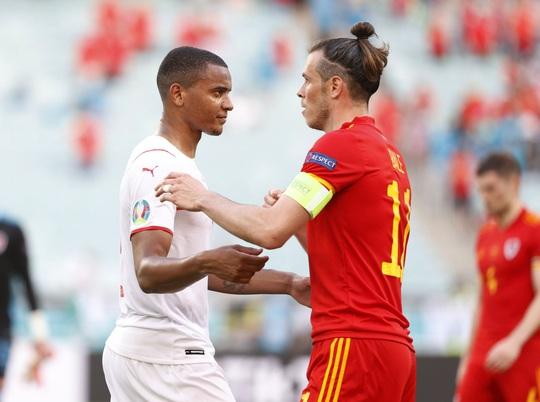 Gareth Bale tịt ngòi, Xứ Wales hòa may mắn trước Thụy Sĩ - Ảnh 6.