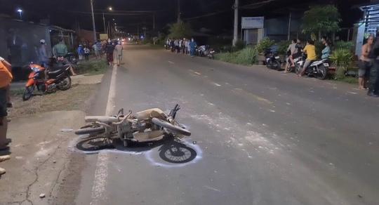 Clip xe máy chạy tốc độ kinh hoàng làm 2 người thương vong - Ảnh 1.