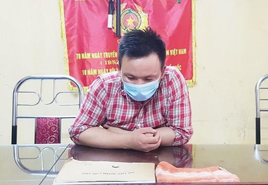 Thanh niên dương tính SARS-COV-2 làm loạn tại chốt kiểm dịch, 60 người phải cách ly  - Ảnh 1.