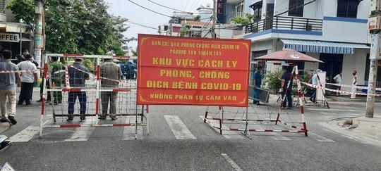 Phong tỏa nơi ở của 1 nhân viên Bệnh viện Bệnh Nhiệt đới TP HCM - Ảnh 1.