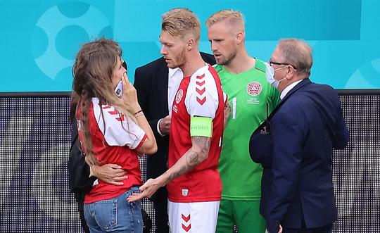 Cú sốc Eriksen và cách ứng xử đầy tình người của bóng đá châu Âu - Ảnh 8.
