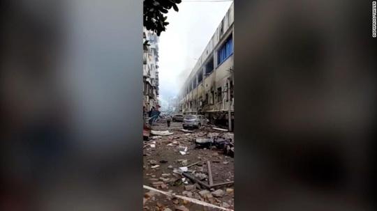 Trung Quốc: Nổ ống dẫn khí gas, hàng trăm người thương vong - Ảnh 2.
