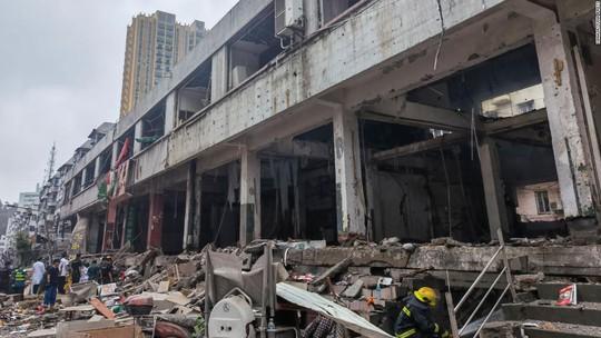 Trung Quốc: Nổ ống dẫn khí gas, hàng trăm người thương vong - Ảnh 4.