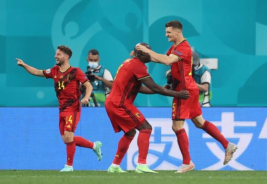 Bỉ - Nga 3-0: Cú đúp Lukaku đè bẹp gấu Nga - Ảnh 8.