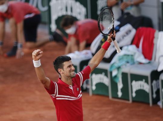 Djokovic vô địch Roland Garros 2021 sau màn ngược dòng thắng ngoạn mục - Ảnh 6.