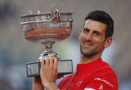 Djokovic vô địch Roland Garros 2021 sau màn ngược dòng thắng ngoạn mục - Ảnh 11.
