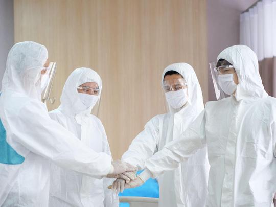 ILA tặng học bổng cho con của y, bác sĩ, nhân viên y tế trực tiếp điều trị bệnh nhân Covid-19 - Ảnh 2.