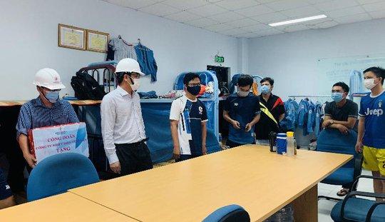 Công đoàn Công ty Nhiệt điện Vĩnh Tân chăm lo sức khỏe người lao động - Ảnh 2.