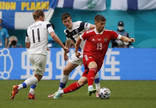 Giành được 3 điểm, tuyển Nga thắp lại hi vọng đi tiếp - Ảnh 9.