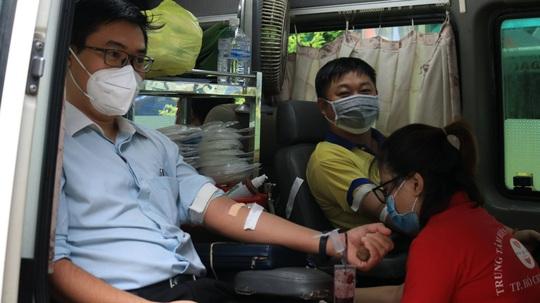 PNJ tổ chức hiến máu nhân đạo, bổ sung nguồn máu dự trữ đang cạn kiệt của TP HCM - Ảnh 1.