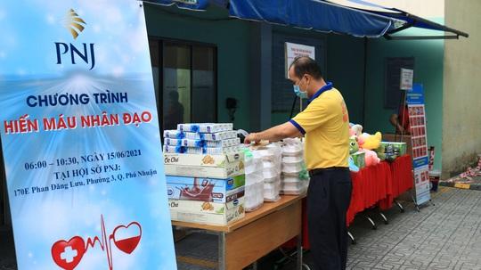 PNJ tổ chức hiến máu nhân đạo, bổ sung nguồn máu dự trữ đang cạn kiệt của TP HCM - Ảnh 3.
