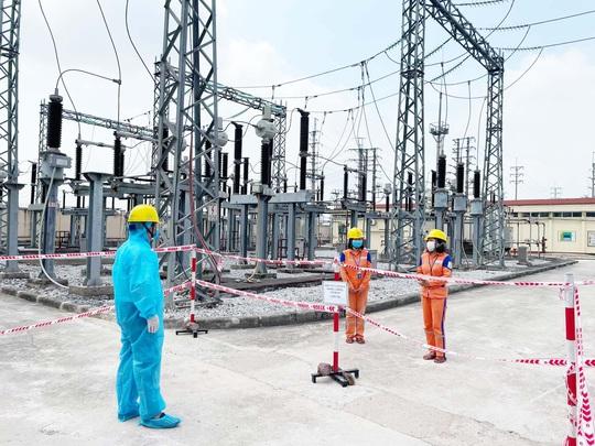 Tập đoàn Điện lực Việt Nam đã thực hiện tốt nhiệm vụ kép - Ảnh 1.