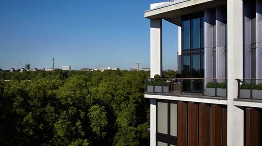 Căn penthouse đắt nhất London trị giá 247 triệu USD - Ảnh 8.