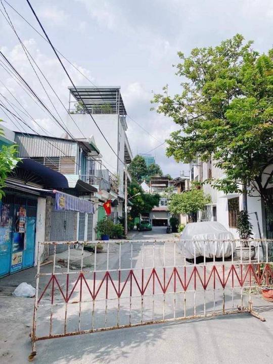 Đồng Nai phong tỏa chợ ở Long Bình Tân bên cạnh siêu thị Big C - Ảnh 1.