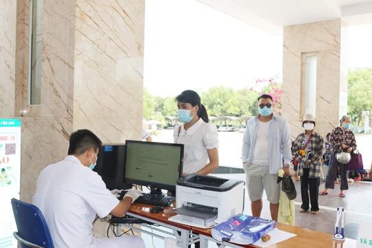 Sàng lọc trong bệnh viện phát hiện ca dương tính SARS-CoV-2 chưa rõ nguồn lây - Ảnh 1.