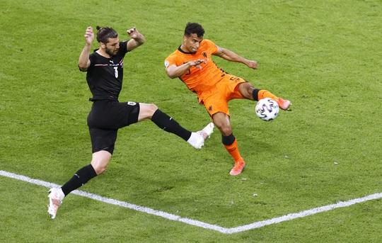 Denzel Dumfries lại lập công, Hà Lan giành vé sớm vòng 1/8 Euro 2020 - Ảnh 3.
