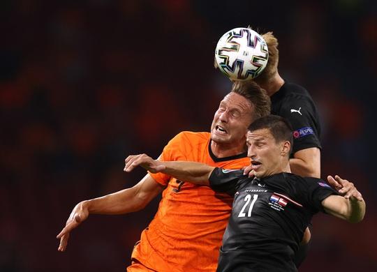 Denzel Dumfries lại lập công, Hà Lan giành vé sớm vòng 1/8 Euro 2020 - Ảnh 2.