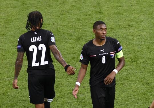 Denzel Dumfries lại lập công, Hà Lan giành vé sớm vòng 1/8 Euro 2020 - Ảnh 7.