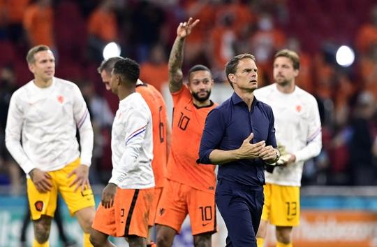 Denzel Dumfries lại lập công, Hà Lan giành vé sớm vòng 1/8 Euro 2020 - Ảnh 8.
