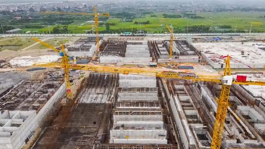 CLIP: Toàn cảnh dự án nhà máy nước mặt sông Hồng 3.700 tỉ đồng chậm tiến độ - Ảnh 2.