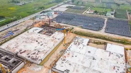 CLIP: Toàn cảnh dự án nhà máy nước mặt sông Hồng 3.700 tỉ đồng chậm tiến độ - Ảnh 10.