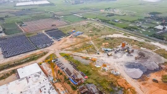 CLIP: Toàn cảnh dự án nhà máy nước mặt sông Hồng 3.700 tỉ đồng chậm tiến độ - Ảnh 9.