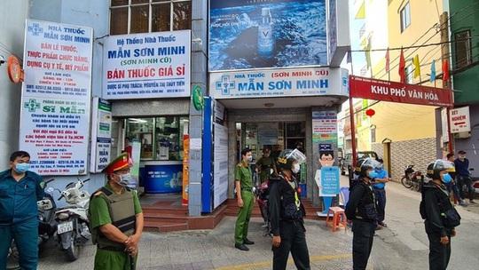 Vụ án trốn thuế liên quan nhà thuốc Mẫn Sơn Minh, Sĩ Mẫn tại Đồng Nai: Khởi tố 2 người, cấm đi khỏi nơi cư trú - Ảnh 2.