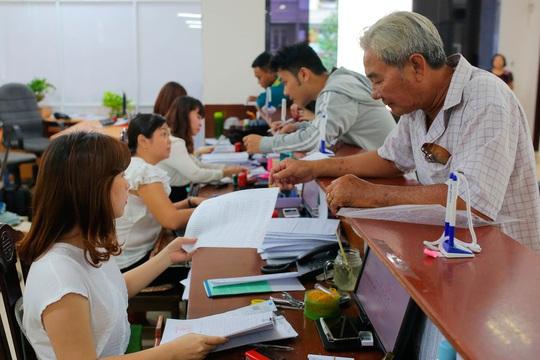 Thành phố Hồ Chí Minh: Chỉ nhận hồ sơ hưởng bảo hiểm xã hội một lần qua bưu điện  - Ảnh 1.