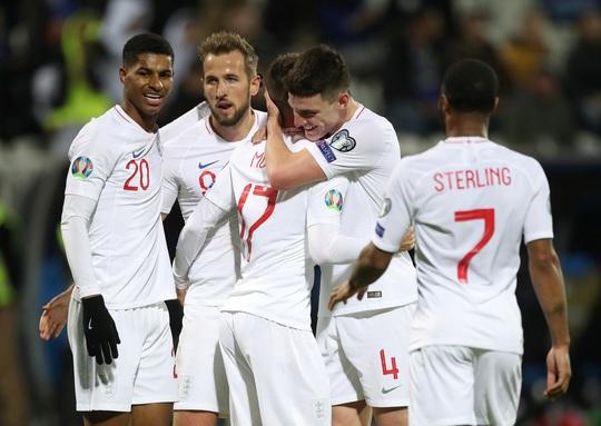 Chốt danh sách dự Euro 2020: Tuyển Anh gây bất ngờ với Lingard, Alexander-Arnold - Ảnh 6.