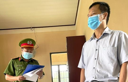 Bắt giám đốc Trung tâm Giáo dục nghề huyện Đức Trọng - Lâm Đồng - Ảnh 1.
