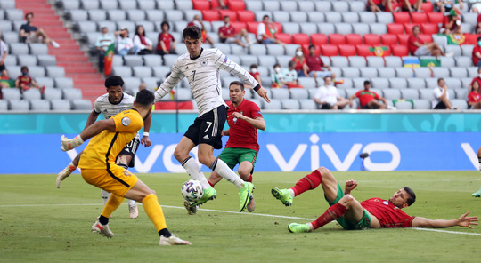 Ronaldo bất lực nhìn Đức ngược dòng thắng đậm Bồ Đào Nha - Ảnh 2.