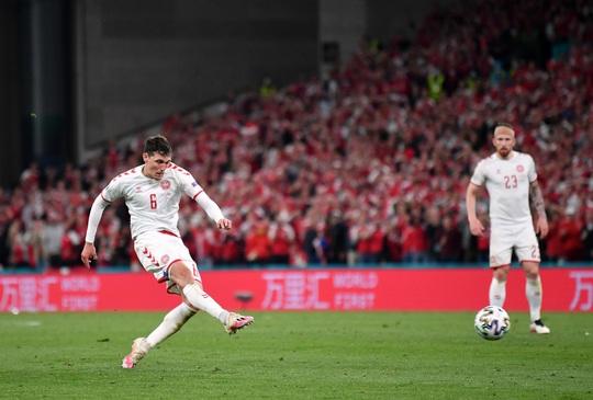 Đè bẹp Nga, Đan Mạch cùng Bỉ vào vòng 1/8 Euro 2020 - Ảnh 1.