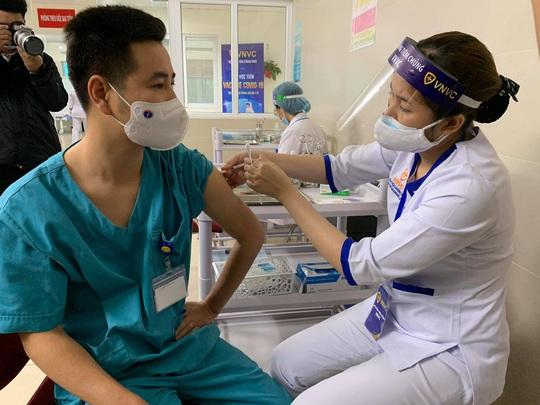 Bị tiểu đường biến chứng qua tim, tiêm vắc-xin Covid-19 được không? - Ảnh 1.