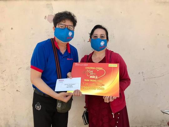 Mai Vàng nhân ái thăm nghệ sĩ hát bội Mỹ Kim và nhà báo Trần Đại Phú - Ảnh 3.